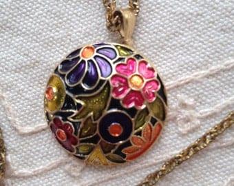 Cloisonne Necklace, Vintage Pendant Necklace, Cloisonne/Enamel  pendant necklace, flower necklace, vintage necklace, vintage cloisonne,  N13