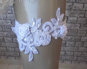 White lace garter/ bridal garter, toss garter, white floral garter, weddings accessories