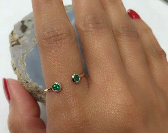18K Two-Tone Cuff Ring with Round Emerald