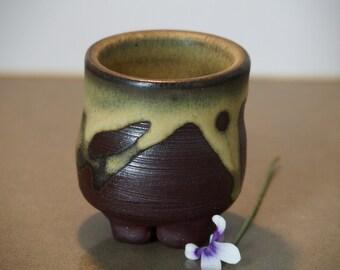 Four footed landscape pot