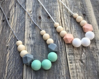 Silicone Baby Teething Necklace - Nursing Necklace - Baby Shower Gift - Mom and Baby