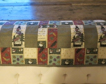 Cute snowman pattern table runner