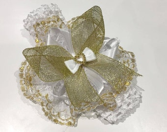 Extra large, extra full stretchy, white and gold lace and ribbon headband.