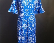 Late 50s early 60s, volup Hawaiian wiggle dress, w/ mermaid fishtail bottom, blue and white, metal zipper, Shaheen style, Von Hamm-Young
