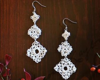 Lace Diamonds Crocheted Dangle Earrings in White