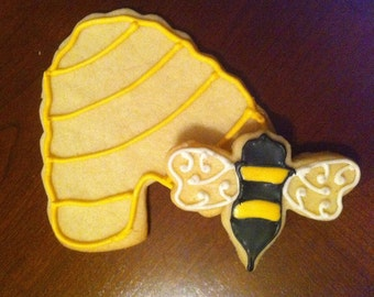 2 Dozen Bee & Hive Cookies