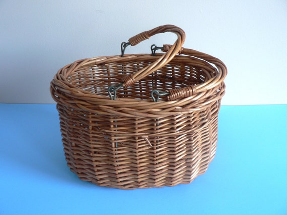 Tiny Wicker Basket With Handle : Woven willow basket with movable handles small picnic
