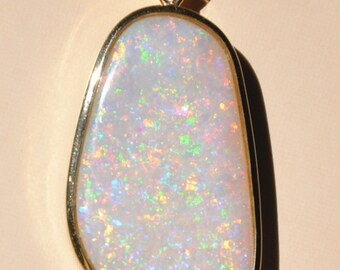 Pendant national Gemstone 43.5 x 20 mm Solid OPAL set in 14 K Gold / Gold Chain included.