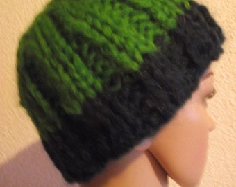 Short warm winter hat in green blue Art.Nr. AU 148