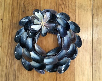 Small Mussel Shell Wreath