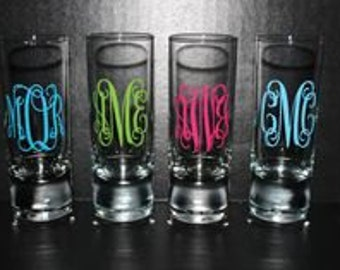 1 oz Monogrammed Shot Glasses * Lisiting is for one glass