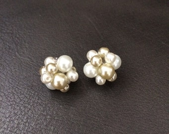 Pearl earrings, ivory bridesmaids earrings, ivory pearl earrings, bridal party earrings, bridesmaids jewelry, bridesmaids earrings, earrings
