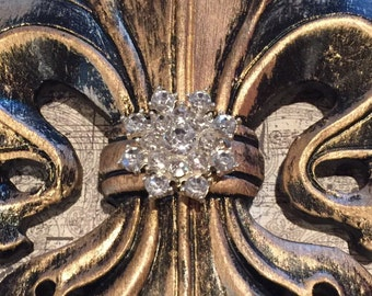 Fleur de lis Magnetic Shade Embellishment with bling in the center