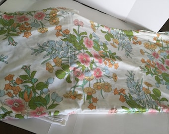 Vintage percale twin sheet set! Vintage percale twin flat and fitted sheet. Free shipping!