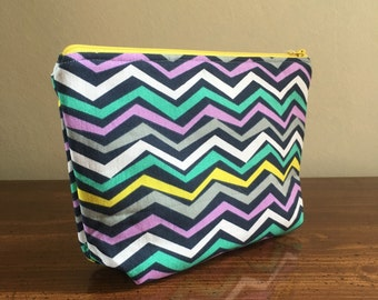Stand Up Pouch - Zig Zag Yellow Zipper / Gift for mom, sister, grandma, friend