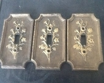 Set of  3 Vintage brown woodgrain look plastic 1-SWITCH Wall Plates with gold trim American Tack & Hardware