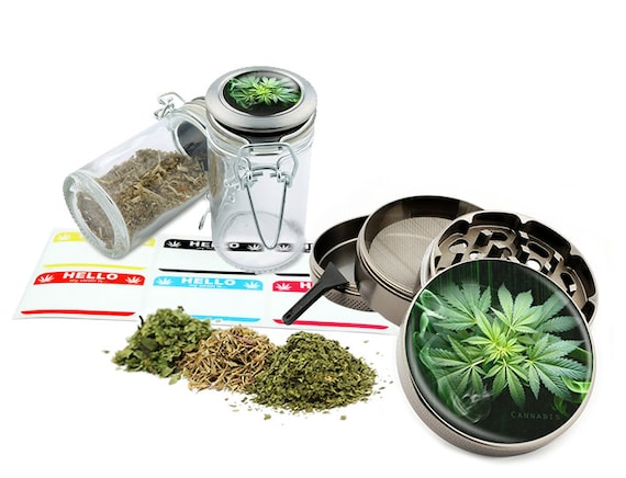 "Leaf Design - 2.5"" Zinc Alloy Grinder & 75ml Locking Top Glass Jar Combo Gift Set Item # 50G102015-40"