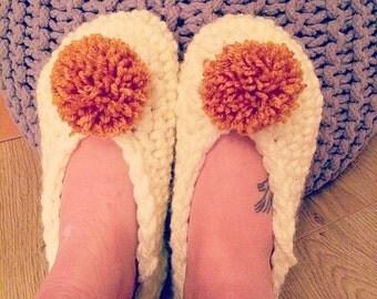 Crochet pom pom slipper socks