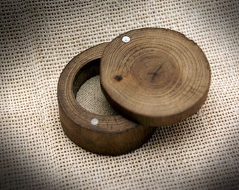 Wood ring box, Rustic ring box, Natural ring box, Wooden ring box, Wedding ring box, Engagement box, Proposal ring box