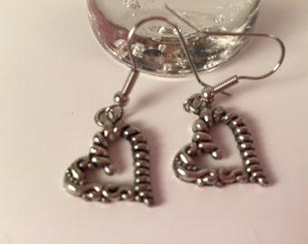 Dangling Heart Earrings