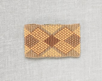 Matoaka Bracelet #008 / BRACELET magnet clasp, bead weaving techniques, handmade