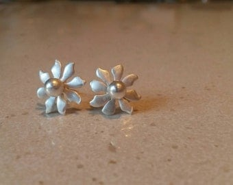 Small flower studs. Sterling silver.
