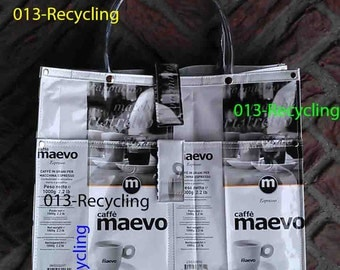 Handbag/Handtas recycled Coffeebags/Koffiezakken_05_type Maevo_WhiteBlack with images/WitZwart met print