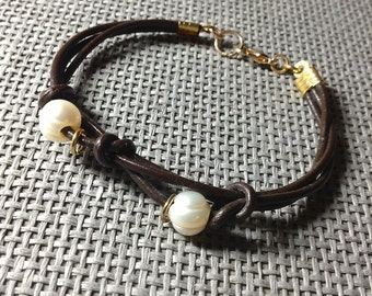 Bracelet | Leather, Potato Pearl  with Gold Lobster Clasp