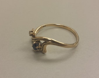 10K Yellow Gold Ring With Blue Sapphire and Diamond