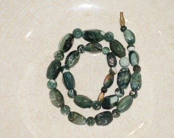 NATURAL STONE NECKLACE - this is a very pretty but quite rustic green agate necklace - Stone Beaded Necklace - Moss Agate