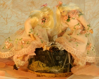 Waiting for the lady : ooak set of two porcelain dolls with water well