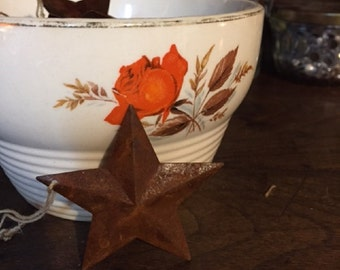 Primitive Distressed Tin Star Ornament