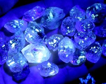 20 Amazing Slightly Included Petroleum Diamond Quartz From Baluchistan Pakistan
