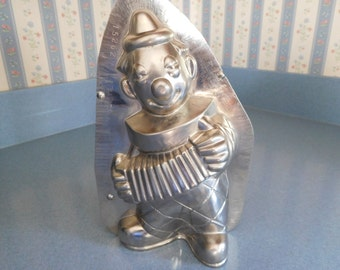 Clown Playing Accordion by Vormenfabrieck #15262 Vintage Metal Candy Mold