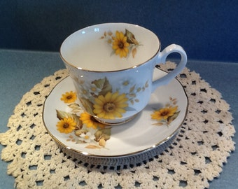 Duchess NEW Vintage Yellow Daisy Tea Cup and Saucer from the 1980's