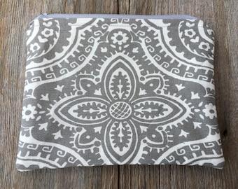 Gray & white small zipper pouch, cosmetic pouch, coin purse, handmade cotton zipper pouch, lined zipper pouch