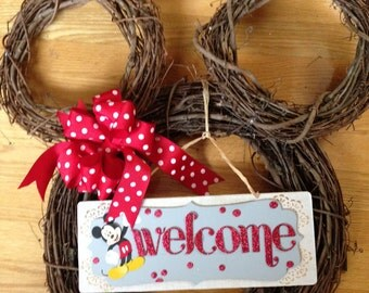 Minnie Mouse Disney grapevine wreath