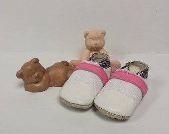 Cute handmade baby shoes white/pink/glitter
