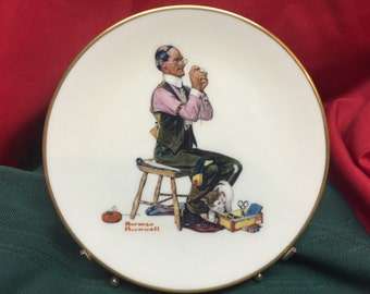 """The Norman Rockwell Fine China Plate Collection 8 1/2"""" 1978 MAN THREADING a NEEDLE"""
