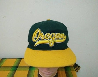 Rare Vintage OREGON DUCKS Cap Hat Free size fit all
