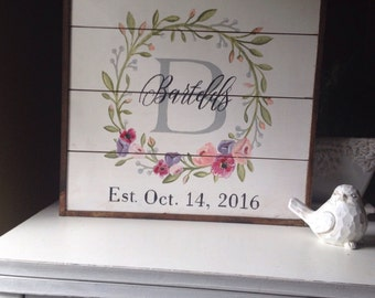 Vintage shiplap floral wedding sign - customizable 15x15