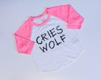 Cries Wolf raglan/infant wolf shirt/infant wold raglan/toddler wolf raglan/toddler wolf shirt/kids wolf shirt/kids wolf raglan/ wolf shirt/w