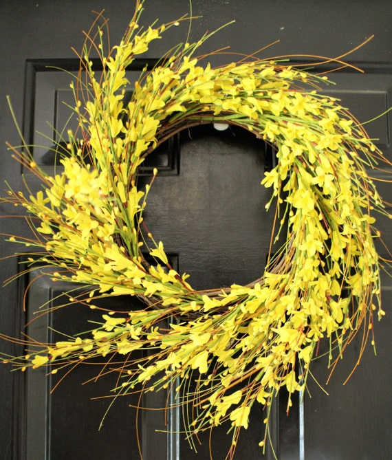Home Decor Spring wreath , Summer Yellow wreath,  Home Decor  , Wreath & door Hanger berry wreath , berry wreath ,Forysthia wreath