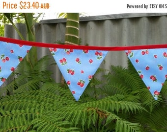 ON SALE Strawberry/Rockabilly bunting. Blue/Red.