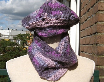 Warm set of beret and cowl