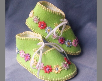 Spring Green Pure Wool Felt Baby Shoes. Fully Lined. Gift Boxed. 0-3 months OOAK