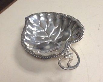 Silver plated leaf tray for parties or catering