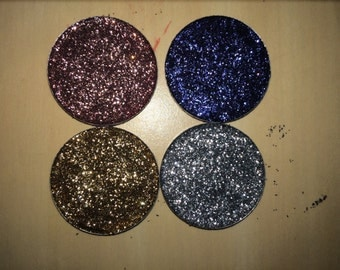 Pressed glitter eyeshadow