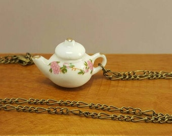 Necklace with miniature teapot