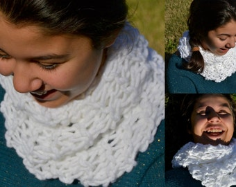 Wool with point collar swarm (Neck wool point swarm)